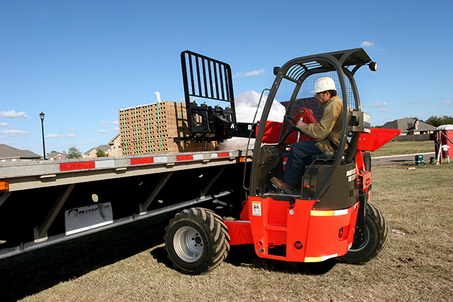 Truck-mounted forklift